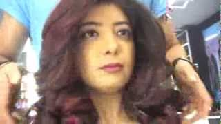 preview picture of video 'Vlog: Getting Haircut and Highlights Coloring at Lakme Absolute Salon + Tour (Bandra - Mumbai)'
