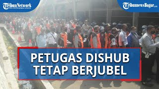 Sudah Diingatkan Jaga Jarak, Petugas Dishub Kota Bogor Tetap Berjubel saat Antre Rapid Test
