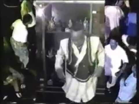 Adewale Ayuba - Ending of Side 1 - Bubble Video