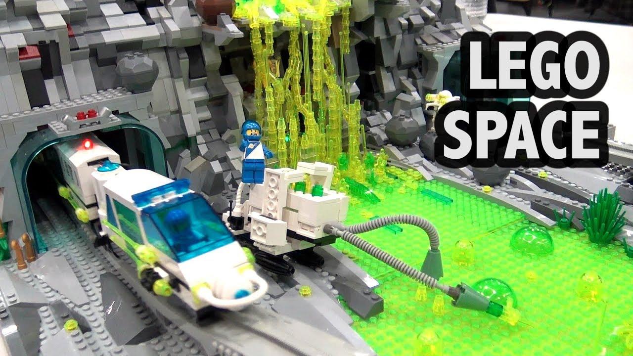 LEGO Green Slime Alien Mining Monorail Base | Bricks Cascade 2019