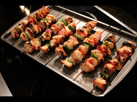 Video Bodybuilding Grilling:  Low-Carb Grilled Chicken Kabobs