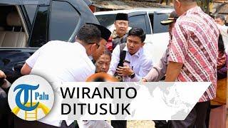 Video Detik-detik Wiranto Ditusuk oleh Orang Tak Dikenal