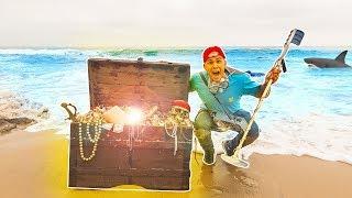 I FOUND TREASURE ON THE BEACH! (Unbelievable)