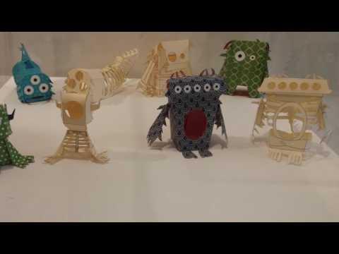 סיור בתערוכות יצורי הנייר ביפו