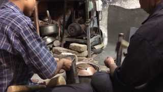 preview picture of video '► Persian Handicraft on Bazar Kerman / Iran - beautiful copper work'
