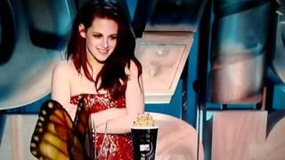Robert Pattinson and Kristen Stewart New moon kissing scene in Italy(video)