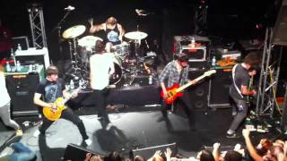 Chiodos - Caves (Live)