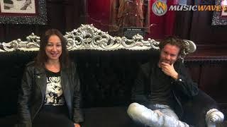 Sofie von Kelen et Johann Guyot vous souhaitent la bienvenue en Enfer