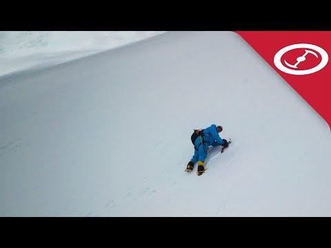 Дрон откри 65-годишен алпинист в Хималаите (ВИДЕО)