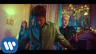 Benji & Fede   Sale (feat. Shari) (Official Video)