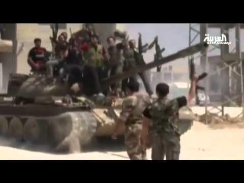 ناشطون  الجيش الحر يقيم عرضاً عسكرياً في حلب