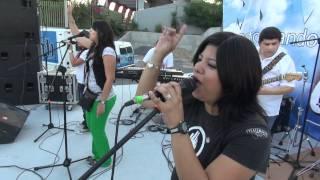 preview picture of video 'Banda Semilla de Mostaza Reynosa tocando afuera del Parque Adolfo Lopez Mateos'