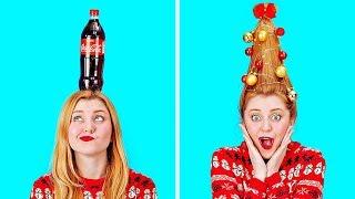 ¡Nos guste o no, estamos en plena época navideña! ¡Es la temporada para pasar el tiempo con tus amigos y seres queridos, intercambiar regalos y ser creativos!  Justo cuando creías haber visto todo lo que las fiestas tenían para ofrecer, ¡te tenemos unos trucos muy divertidos e increíbles bajo la manga para hacer que tu temporada de fiestas sea más genial que nunca!  ¡Así que reúne a tus amigos y prepárate para ponerte eufórico esta temporada!  #Trucos #Gracioso #Bricolaje   Suscríbete a 123GO! Spanish: http://bit.do/123goSpanish --------------------------------------------------------------------------------------------  Mósica por Epidemic Sound  https://www.epidemicsound.com/  Materiales de archivo (fotos, grabaciones y otros): https://www.depositphotos.com https://www.shutterstock.com