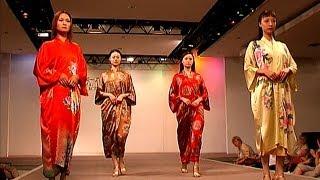 preview picture of video 'China - Suzhou - Stadt der Gärten - Zentrum der chinesischen Seide - Modenschau'