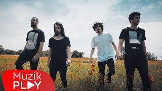 Mavi Gri - Aklımı Kaçırdım (Official Video)