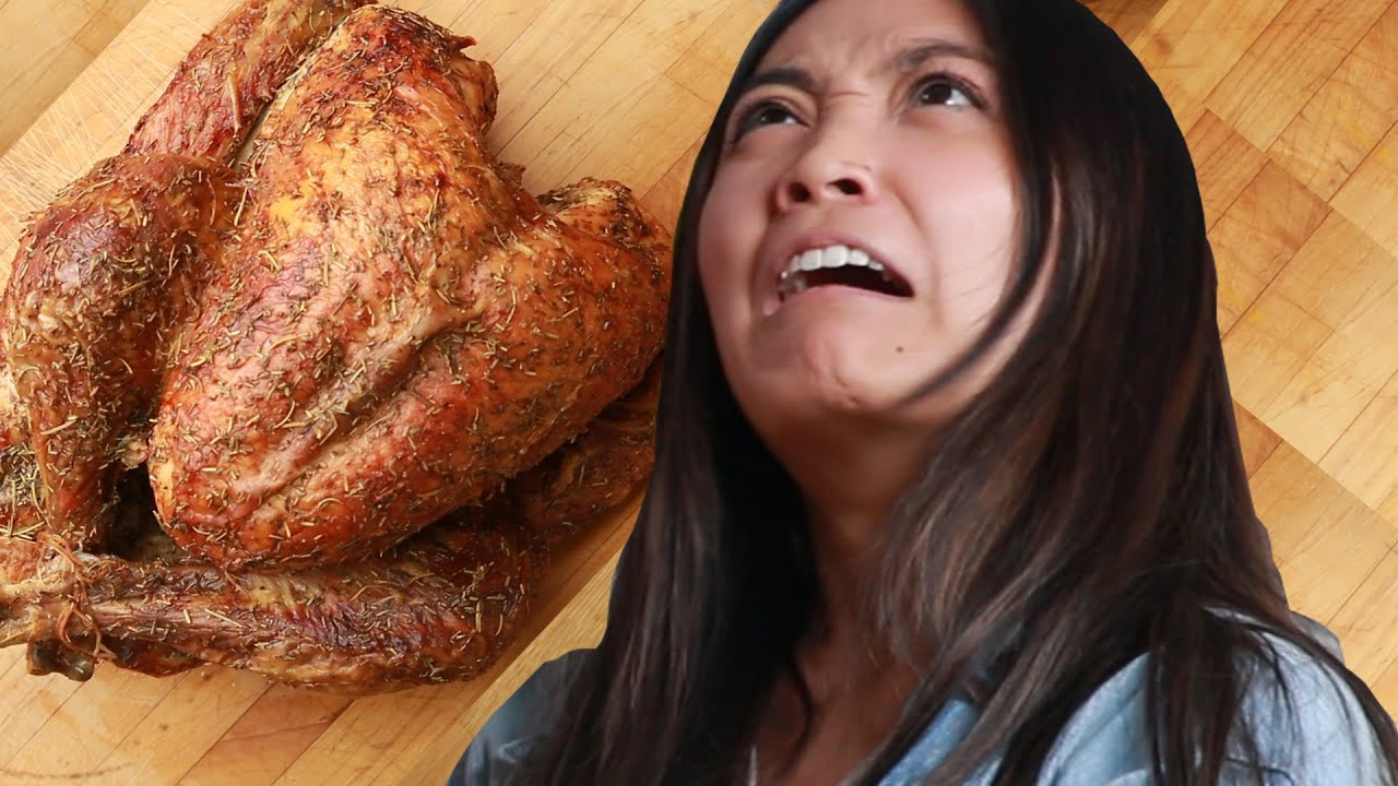 We Made Terrible Cooks Carve A Turkey thumbnail