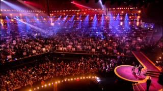 Gwen Stefani wins International Female presented by Charlie Creed Miles | BRIT Awards 2005