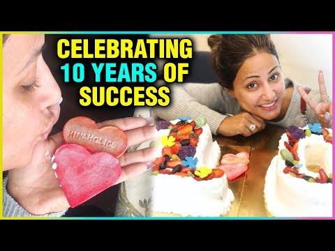 Hina Khan Celebrates COMPLETING 10 Years In Televi