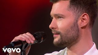 Calum Scott - Dancing On My Own (Live on GMA) - Video Youtube