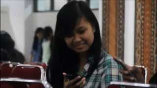 preview picture of video 'Agil Militia writing sms UnyuUnyu LOL'