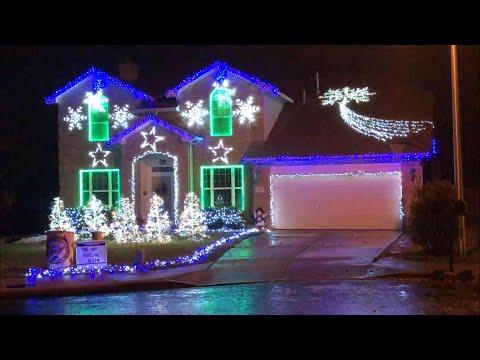 Git up- Blanco Brown Christmas light show Georgetown Tx