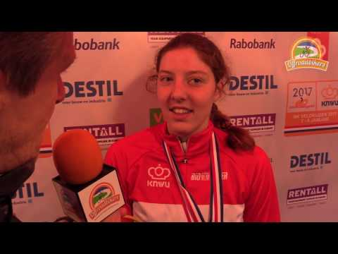 Manon Bakker uit Swifterbant rijdt zondag wereldbekerwedstrijd in Italië