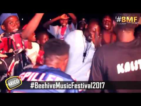 Stesh Performing Soyyaya wani Gari at the Beehive Festival 2017