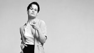 CHRISTINE AND THE QUEENS   GIRLFRIEND REMIX Aka DAMN DIS MOI (ROMY'S REMIX)