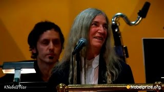 <b>Patti Smith</b>  A Hard Rains AGonna Fall   Ceremonia Nobel 2016