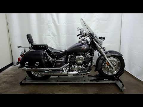 2005 Yamaha V Star® Classic in Eden Prairie, Minnesota - Video 1