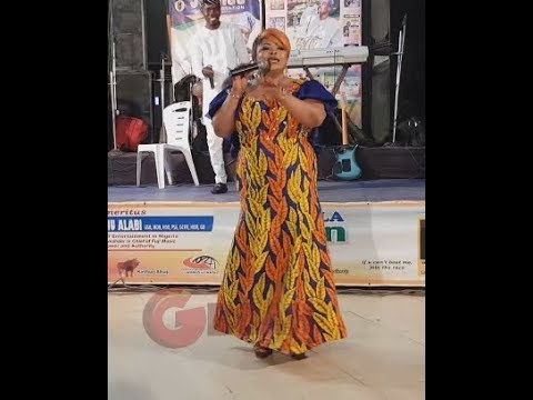 Dayo Amusa Storms The Stage At Liz Da Silva's Ankara Day As She Sings Her Hit Song,Omo Daddy