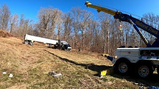 That's No Way to Treat a Pete!!!  Peterbilt Goes Hill-Climbing Off-Road!!!