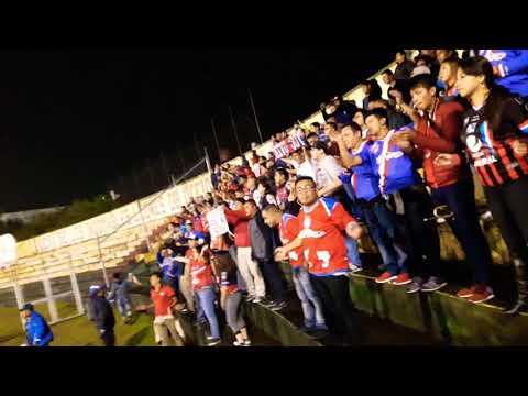 """Curva y Sexto Estado alentando al xelajú MC de visita al estadio Marquesa  de la Ensenada/ San Marc"" Barra: Sexto Estado • Club: Xelajú"
