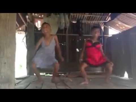 กระเทยเด็ก เต้นอย่ามโน - YouTube