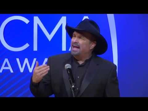 Backstage at the CMA Awards, Garth Brooks talks about singing a new song to his wife at the show, Keith Urban pays tribute to his father, while Brothers Osborne thank the press.  (Nov. 15)