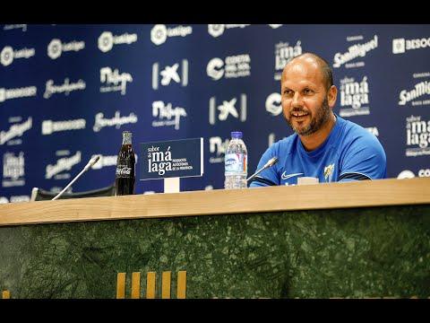 El entrenador del Málaga llama a mejorar y ganar en contundencia fuera de casa