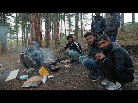 Νέα οδό διέλευσης αναζητούν χιλιάδες μετανάστες στα σύνορα Βοσνίας-Κροατίας…