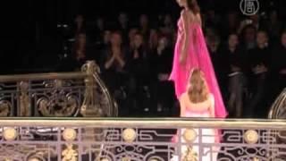 Versace открывает Неделю высокой моды в Париже