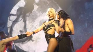 Gambar cover Britney Spears - Baby one more time, Oops I did it again - Las Vegas 13 April 2016