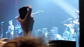 Noel Gallagher's High Flying Birds - Dont look back in anger - Newcastle Feburary 2012