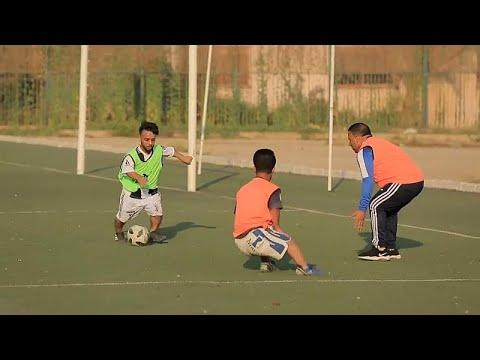 العرب اليوم - شاهد: مصريون يسعون لتشكيل أول منتخب كروي للأقزام