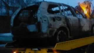 preview picture of video 'Bergung des ausgebrannten Autos - Brand im Kohlerhof in Denzlingen'