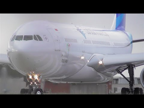 CLOSE UP SPOOL - Garuda Indonesia A330-343 Takeoff From Melbourne Airport - [PK-GHA]