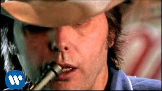 Dwight Yoakam - I Want You To Want Me