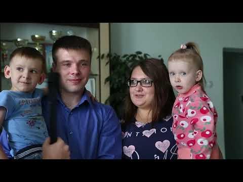 Глава Куюргазинского района Юлай Ильясов вручил ключи от новых квартир сиротам