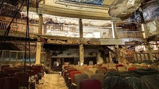 😱ABANDONED Paramount Theatre😱