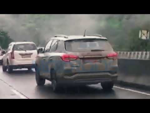 Mahindra XUV 700 Spied Testing in India