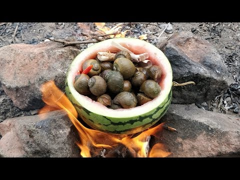 Boiling Snail in Watermelon with Yummy Sauce