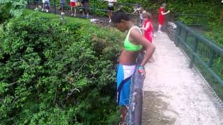 preview picture of video 'Britney jumping off the Bridge  Iao valley needle.'