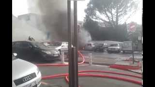 preview picture of video 'Feu de voitures sur un parking à istres ( 2 )'